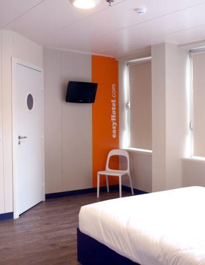 Easyhotel-04